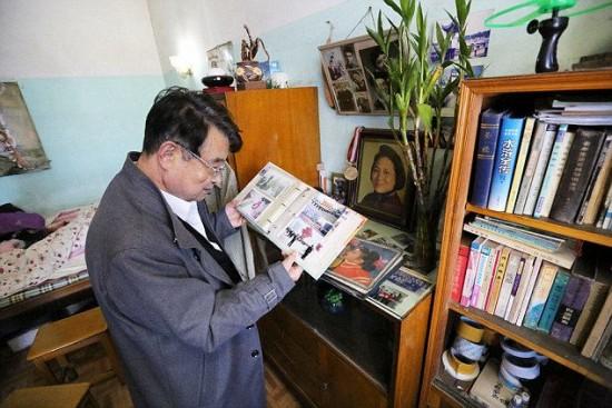 رجل صيني وحيد مستعد لإعطاء معاشه لأي عائلة تتبناه