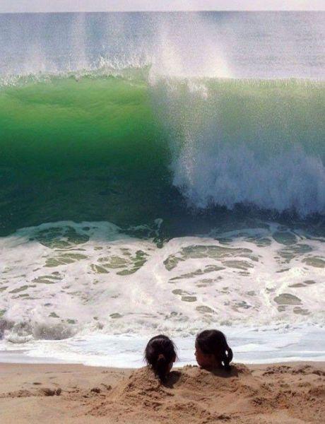موجة بحر كبيرة