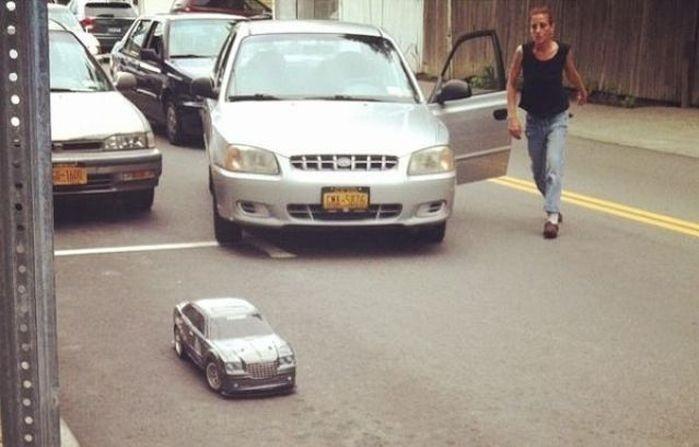 صور مضحكة: المكان الخطأ ل ركن السيارة