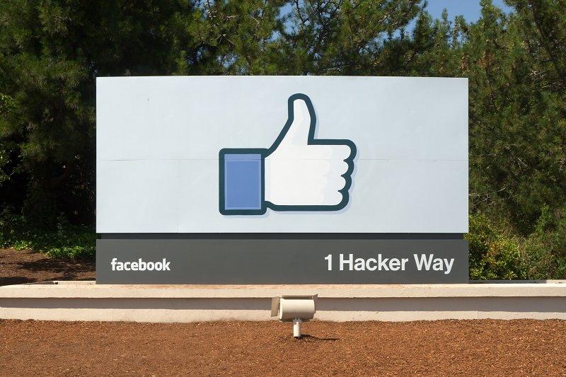عدم إقفال حساب فيس بوك!
