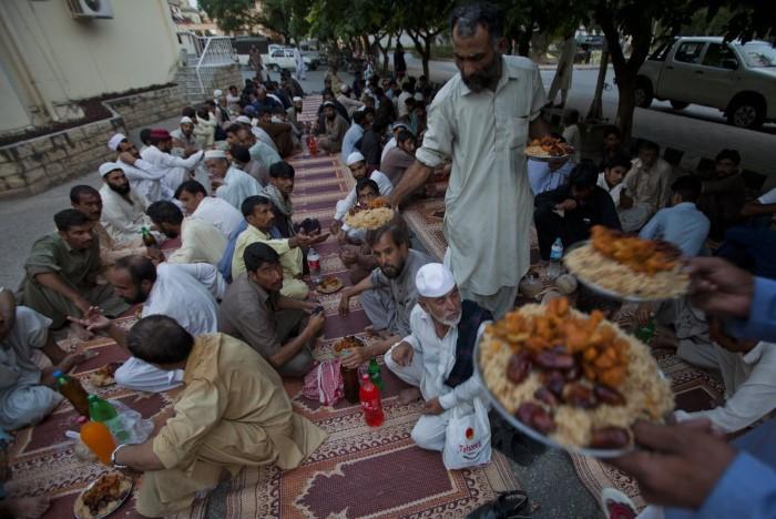 إفطار المسلمين