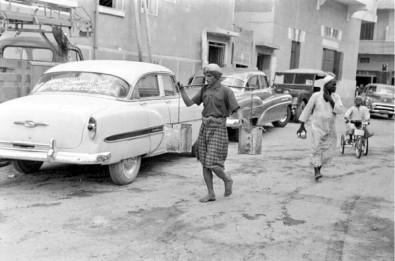 صور منوعة حارة في جدة سنة ١٣٧٤هـ، الموافق ١٩٥٤م.