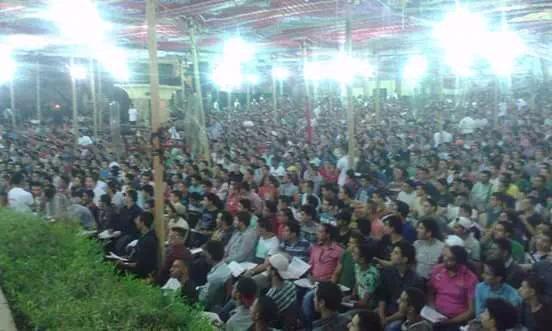 10 ألاف طالب في مصر لحضور درس خصوصي