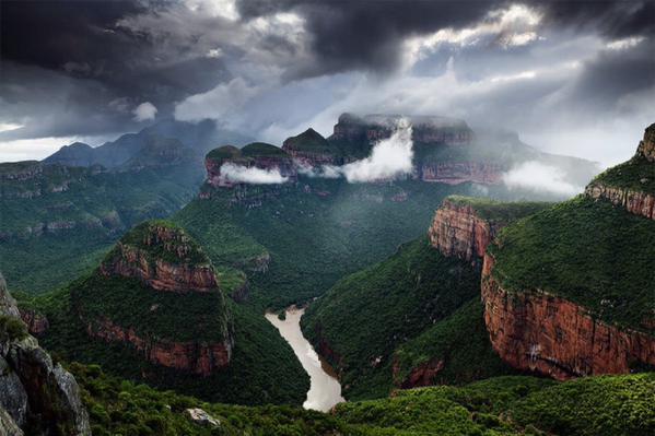 مرتفعات دراكنزبرج في جنوب أفريقيا.
