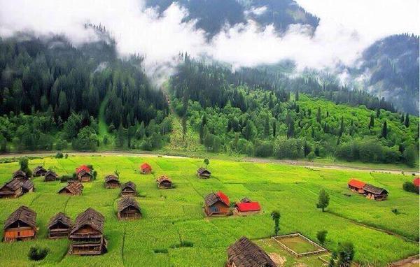 وادي نيلوم في باكستان.