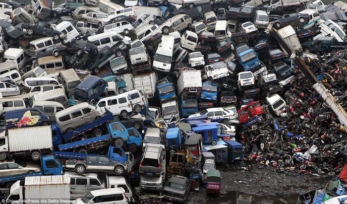 مقبرة الدراجات والسيارات في الصين3