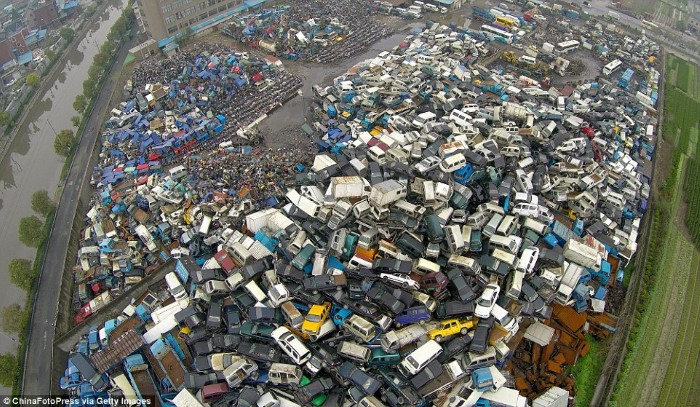 مقبرة السيارات والدراجات في الصين3