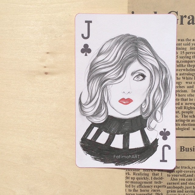 الابداع في رسم المشاهير على أوراق اللعب مع فاطمة محمد