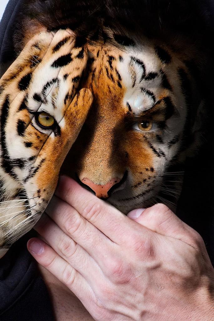 """المصور والفنان """"ديفين ميتشل""""، صاحب ال28 عاماً، من لوس أنجلوس، استخدم التلاعب الرقمي لتحويل وجوه البشر إلى حيوانات برية مثل النمور والثعابين والطيور، وإضافة تفاصيل معقدة للغاية. وكان هذا العمل يهدف إلى حماية الحيوانات الأسيرة داخل أقفاص حدائق الحيوانات، ولفت الانتباه إلى الألم النفسي لهذه الحيوانات المحتجزة داخل حاويات لفترات طويلة، بعيداً عن بيئتها الأصلية."""