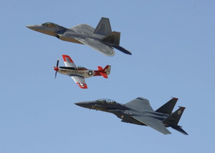 طائرات حربية