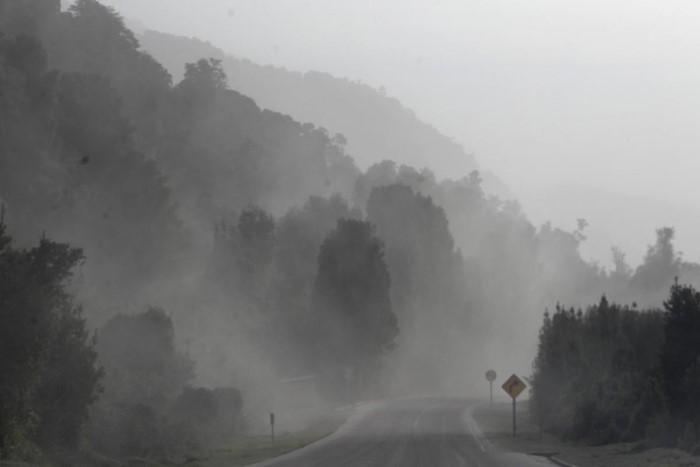 الهواء يتشبع برماد بركان كالبوكو بعد الثوران