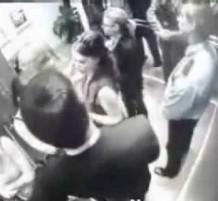 فيديو: فقد اعصابه في المصعد … فماذا فعل.؟؟