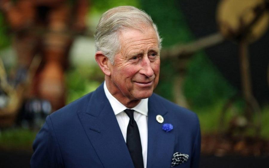 الأمير تشارلز جاء من مصاصي دماء!