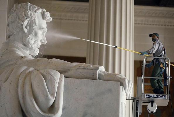 تمثال لينكولن التذكاري