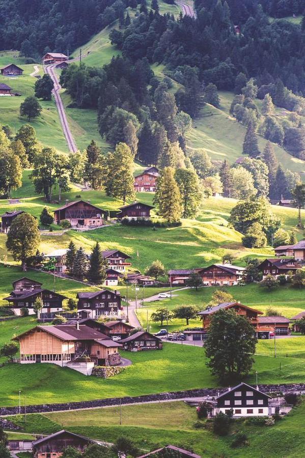 قرية جريندل في سويسرا