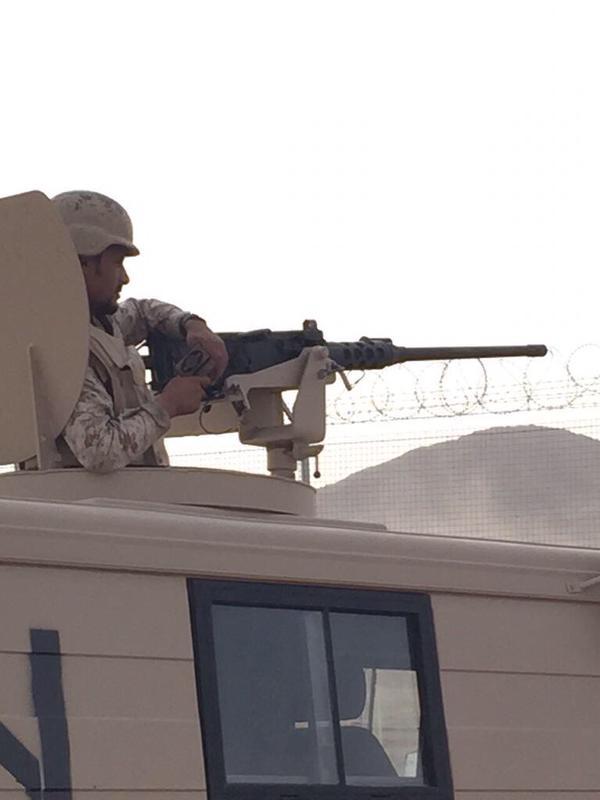 جندي مرابط في الحد الجنوبي يقرأ القرآن