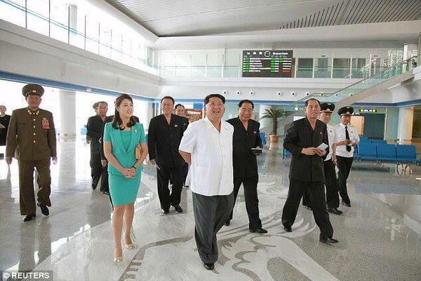 رئيس كوريا الشمالية يقوم بعملية إعدام للمهندس الذي صمم المطار الجديد