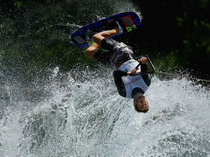 """""""جيسون مكلينتوك"""" يتنافس على الماء في دورة الألعاب المائية"""