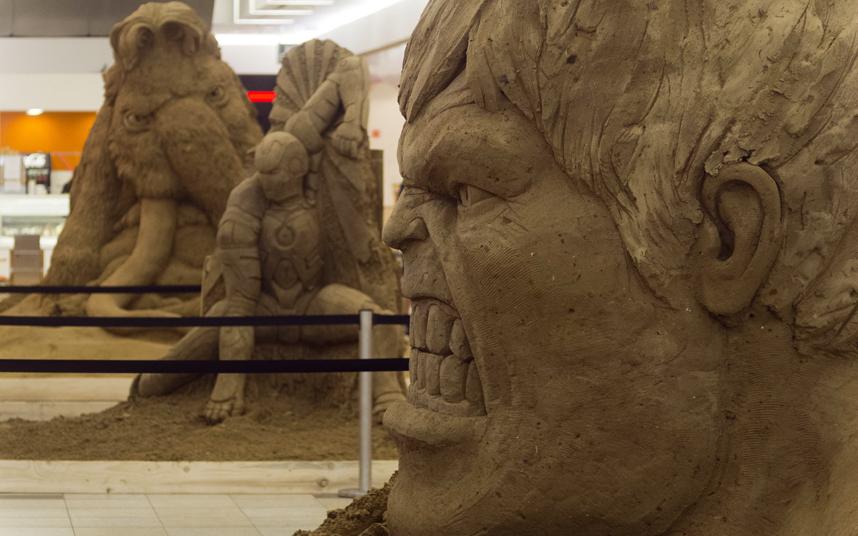 تماثيل رملية مذهلة معروضة في مهرجان للنحت على الرمال في ديبريسين.