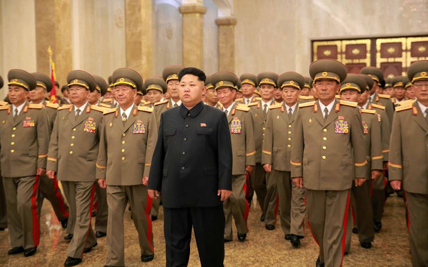 الزعيم الكوري الشمالي كيم جونغ أون يزور قصر كومسوسان