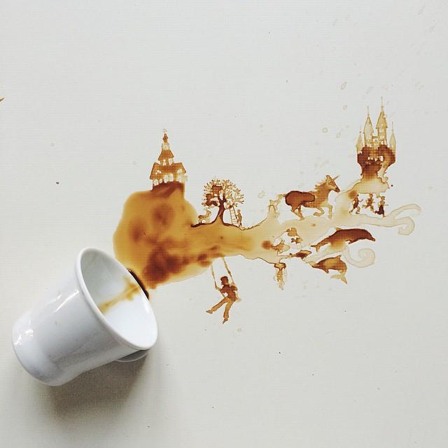 ابداع الرسم بالقهوة