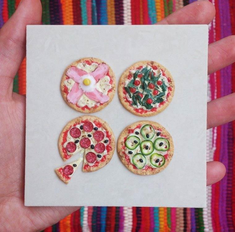 بيتزا مصغرة