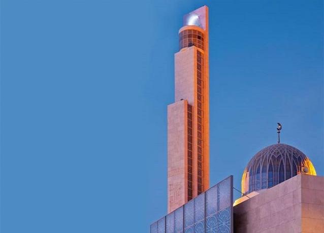 مسجد عبد الرحمن الصديق (يلقب بمسجد العمود الفقري)- دبي