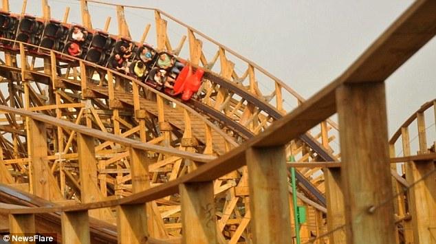 اطلاق أكبر أفعوانية خشبية في العالم