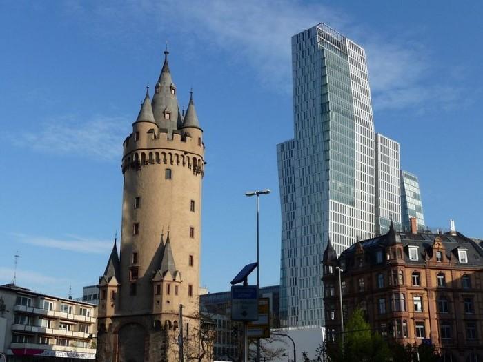 "برج إشنهيمر تورم ""Eschenheimer Turm"""