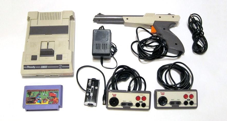 منصة ألعاب فيديو قديمة