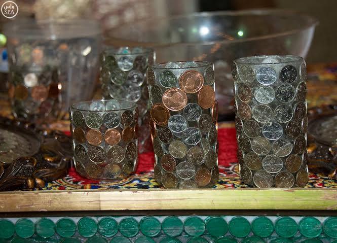 عمل فني سعودي بالعملات المعدنية