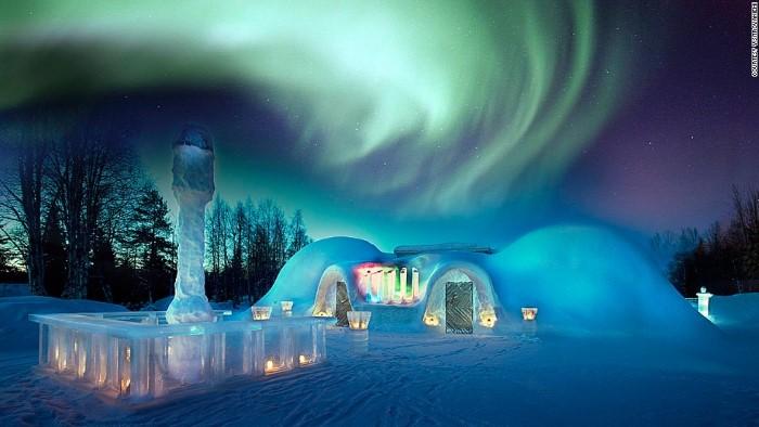 الشفق أو الأضواء القطبية المذهلة