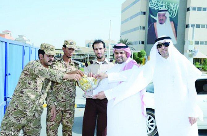 الاتصالات السعودية تعايد رجال الأمن