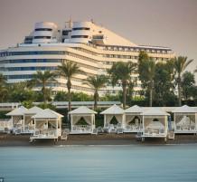 فندق التيتانيك
