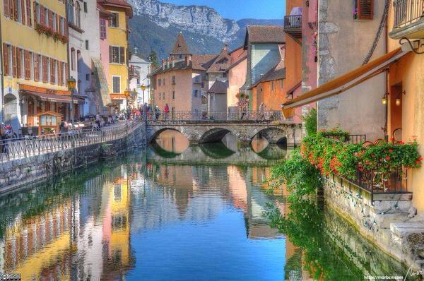 جمال وسحر قرية انسي في فرنسا