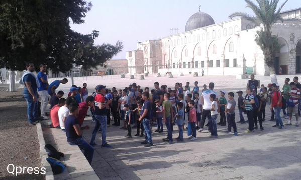 الأطفال المقدسيين يواصلون الفعاليات والنشاطات الصيفية في رحاب المسجد الاقصى