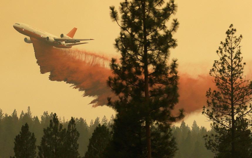 طائرة ترش دخان