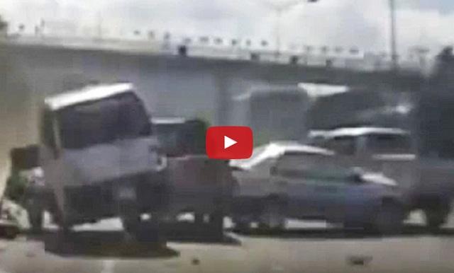 فيديو حادث شاحنة