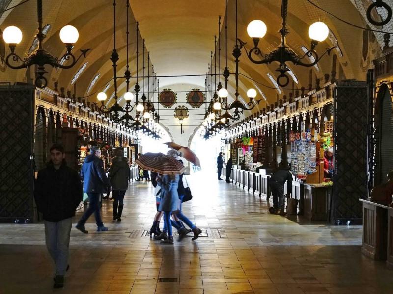 سوق رينك جلوني في بولندا