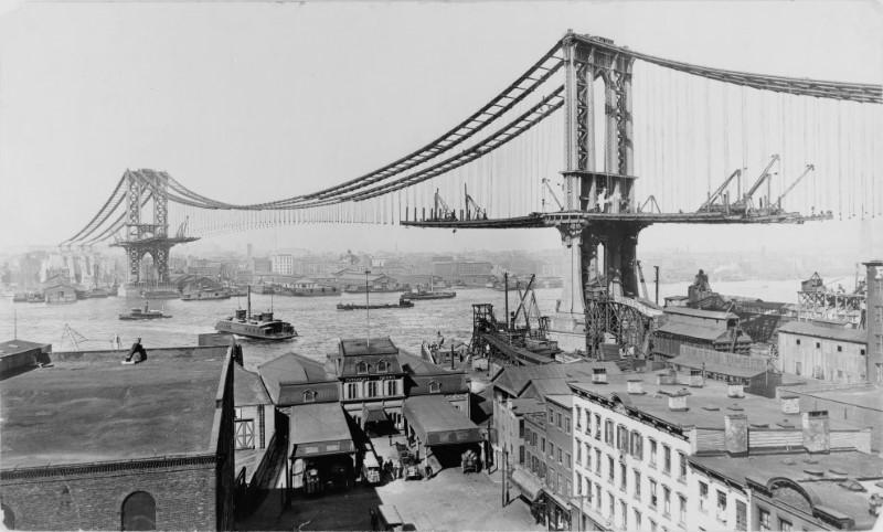 جسر مانهاتن في نيويورك