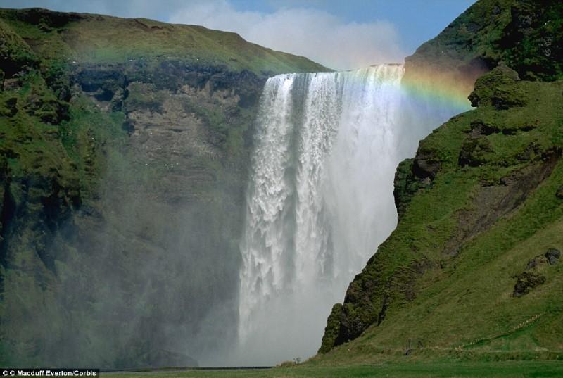 شلال Skogafoss ايسلندا