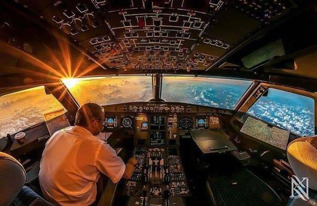 غرفة القيادة في الطائرات