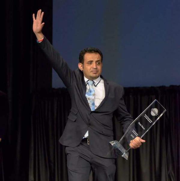 محمد القحباني بطل فنون الخطابة بأمريكا
