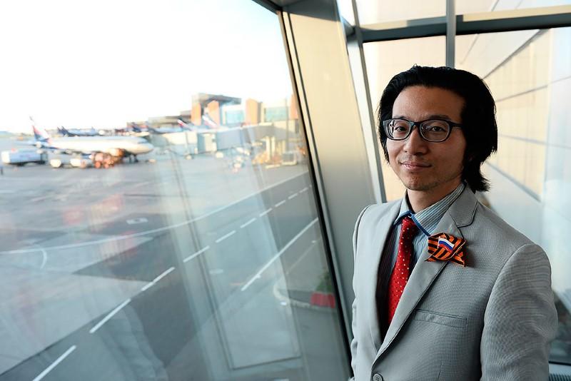 3-صحفي-ياباني-يعيش-في-مطار-روسي-لمدة-شهرين