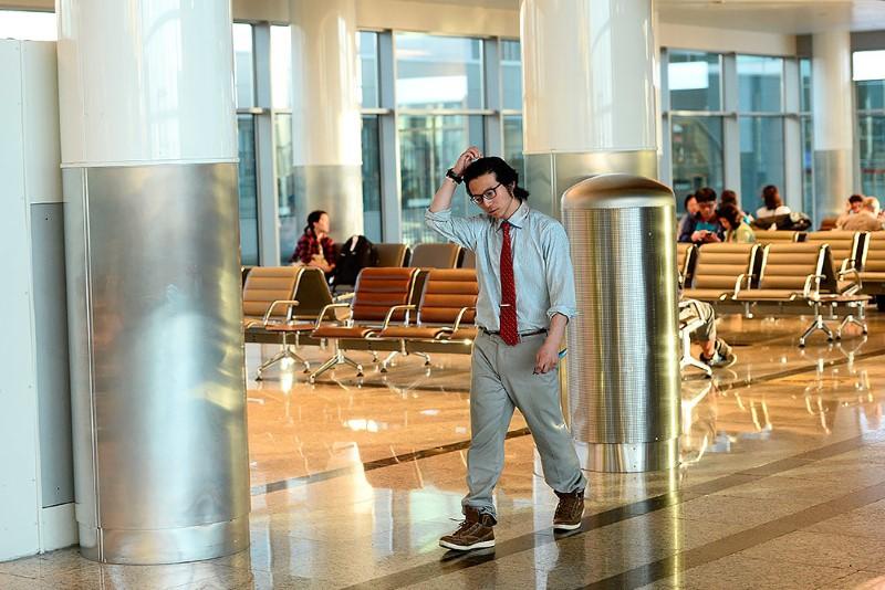 5-صحفي-ياباني-يعيش-في-مطار-روسي-لمدة-شهرين