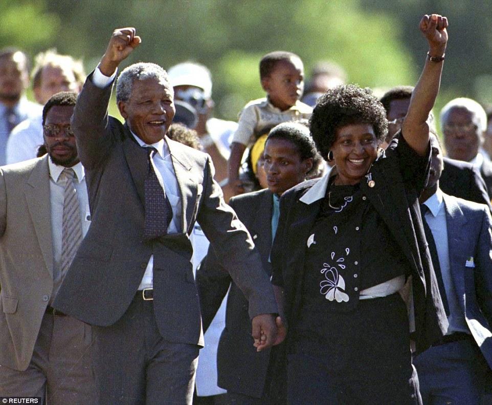 مانديلا يغادر السجن