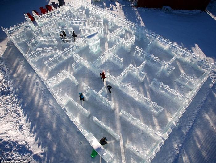 متاهة الجليد في فيربانكس، ألاسكا