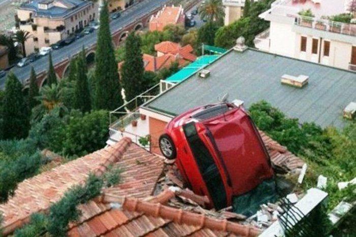 حادث سيارة مضحك