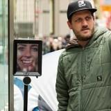 robot Apple Store