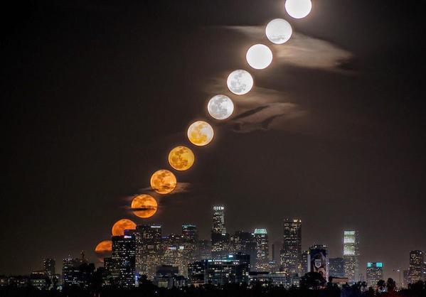 القمر بمراحل متعددة